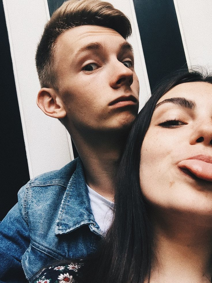 Being weird with you is my favorite thing to do♡