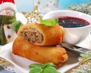 Croquettes légères et festives aux champignons à moins de 200 calories : http://www.fourchette-et-bikini.fr/recettes/recettes-minceur/croquettes-legeres-et-festives-aux-champignons-moins-de-200-calories.html