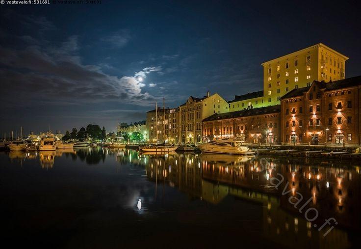 Katajanokka - vesi arkkitehtuuri vene veneet rakennus rakennukset kerrostalo…