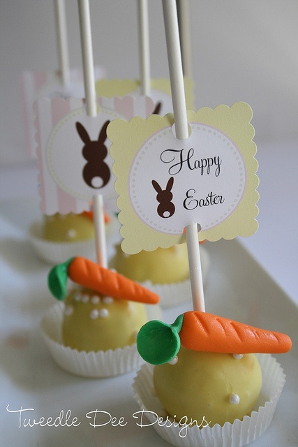 Easter Cake Pops: Bunnies Design, Easter Cakes, Easter Cakepops, Cakes Pop, Dee Design, Cakepops Holidays, Cake Pop, Easter Cupcakes Cak, Carrots Cakepops