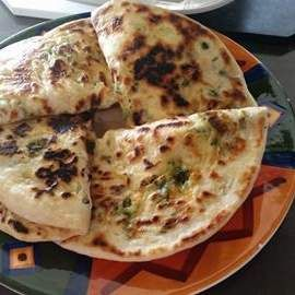 Recipe GARLIC CHEESE SPINACH NAAN BREAD by lailahrosebowie1993 - Recipe of category Breads & rolls