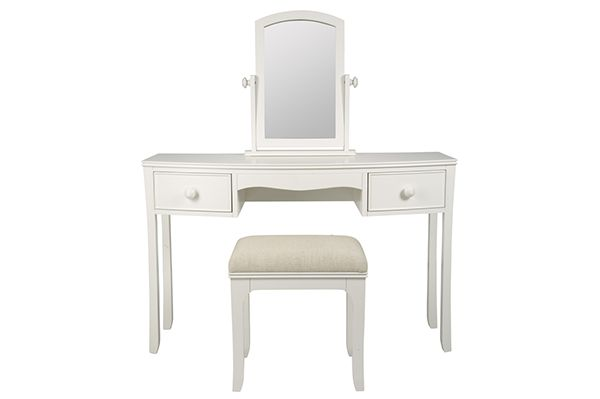 A dressing table adds a stylish finish to every bedroom.  Not only does it complete your bedroom furnishings but it is practical and functional too.  We cater for many tastes and styles from classic or modern to country classic. MysuiteHome adds a touch  of elegance to your  bedroom with designer dressing tables