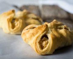 Chaussons croustillants au chou-fleur et curry : http://www.cuisineaz.com/recettes/chaussons-croustillants-au-chou-fleur-et-curry-79362.aspx