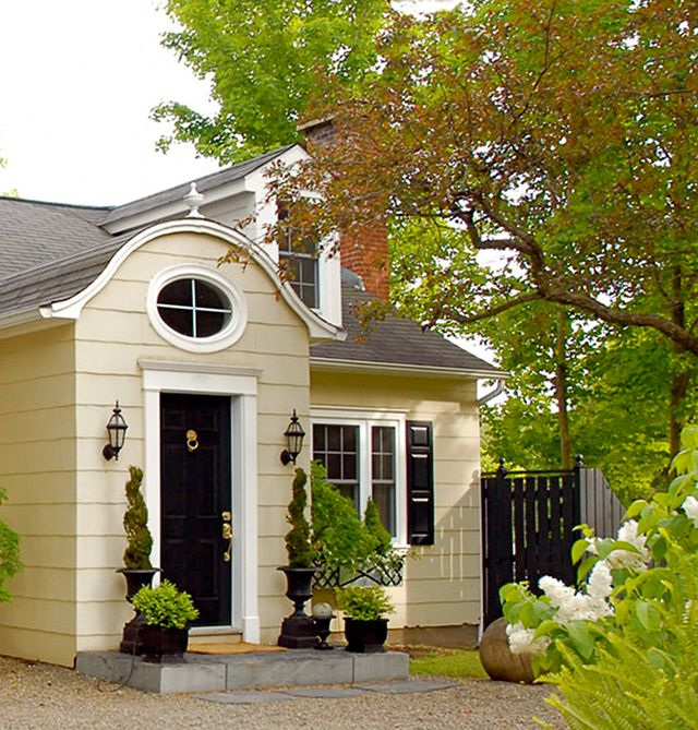 Carriage house ~ Scott Yetman ~ Love the roof and window over the door.