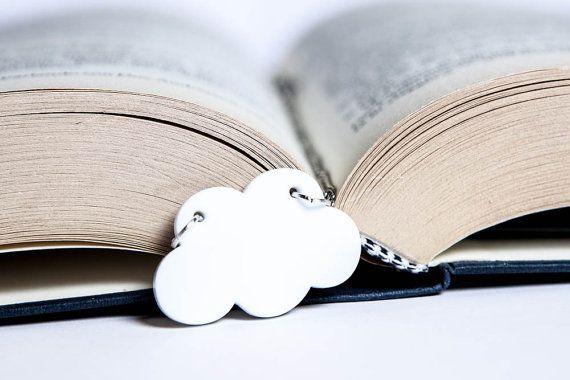 Cloud pendant necklace white glossy silhouette di PasBijoux