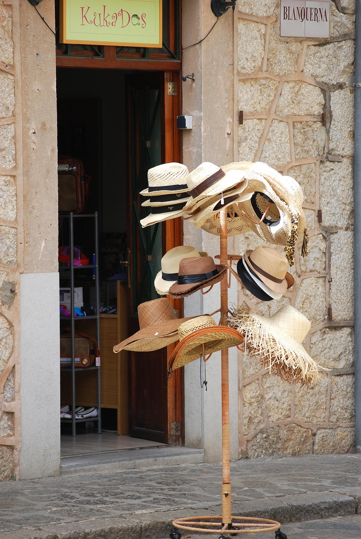 Soller, Mallorca  by Esther van GerwenEsther Vans, Inspiration, Mallorca Lifestyle, Spanien Med, Vans Gerwen, Zona Norte, Mad Hatters, Med Øer, Boards Iii