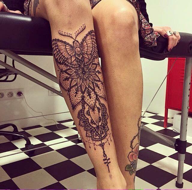 Moth Tattoo Tattoo Ton Temps Blacktattoobutterfly Moth Tattoo Temps Ton In 2020 Motten Tattoo Abziehtattoo Tattoos Fuss