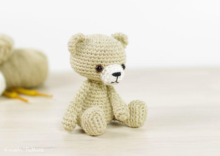 Tiny Amigurumi Bear Pattern : 89 beste afbeeldingen over crochet bears op Pinterest ...