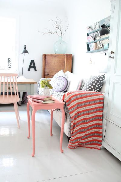 El detalle en rosa. Destaca un espacio con una pieza clave de color