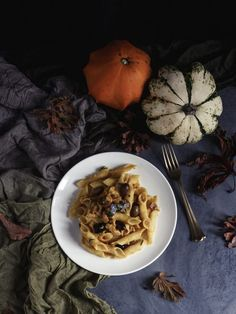 Pasta con ragù di coniglio e zucca | Pasta with pumpkin and rabbit sauce