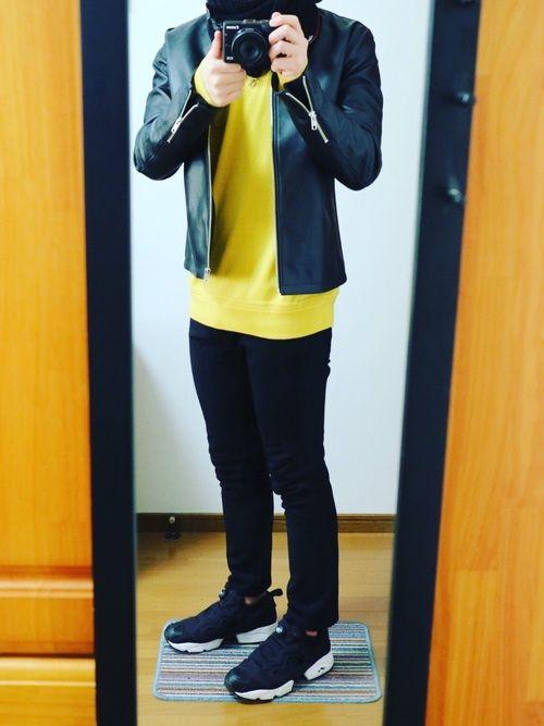 ライダース×黄ニット×黒スキニー