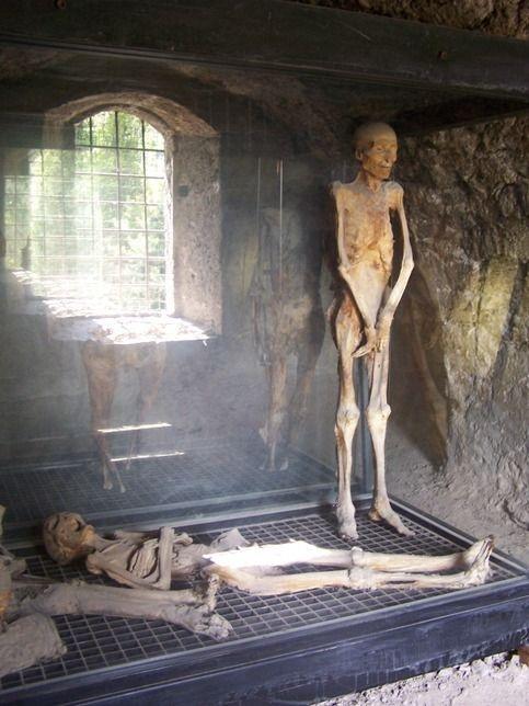 Ferentillo - Mummy Museum/ Múmia múzeum