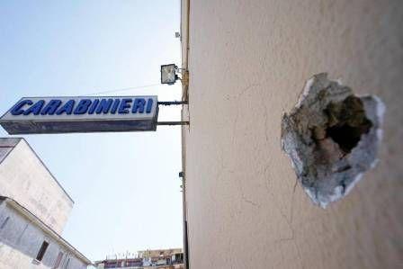 Secondigliano raffiche di mitra contro la stazione dei Carabinieri