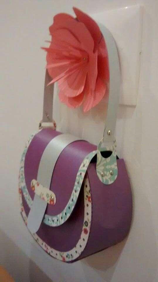 Paper purse by Catita.