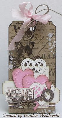 Pink/heart tagVintage Heart, Valentine'S Day, Tim Holtz Scrapbook, Scrapbook Tim Holtz, Valentine Tags, Pink Heart Tags I, Scrapbook Ideas In Pink, Gift Tags, Paper Crafts