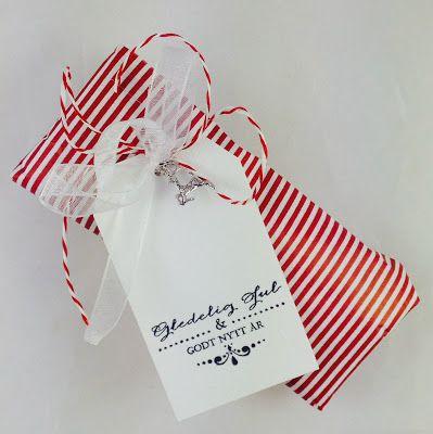 For mer inspirasjon ta en titt på dinfantasi.no Enkle og koselige gavelapper til julepakkene. Gift wrapping.