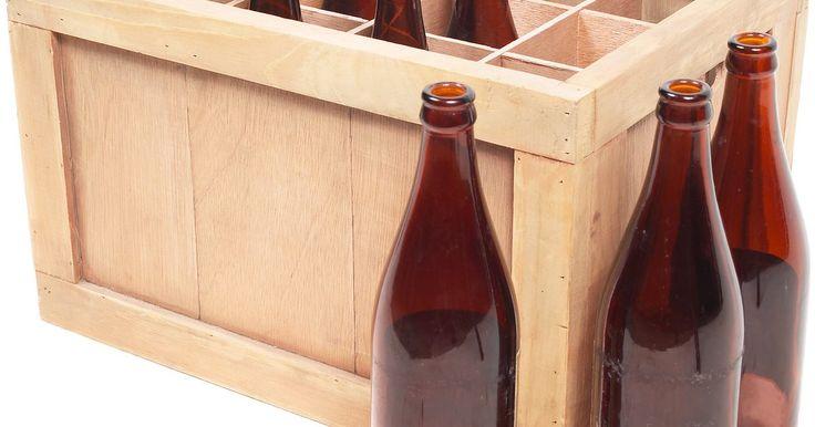 Cómo filtrar tu cerveza casera. Filtrar apropiadamente tu cerveza es una parte importante del proceso de elaboración, y debes filtrarla en varias etapas diferentes durante el mismo y durante el proceso de fermentación. Si el mosto no está filtrado adecuadamente, el lúpulo restante puede tener un efecto prolongado de amargor en la cerveza, y los granos y sedimentos de lúpulo ...