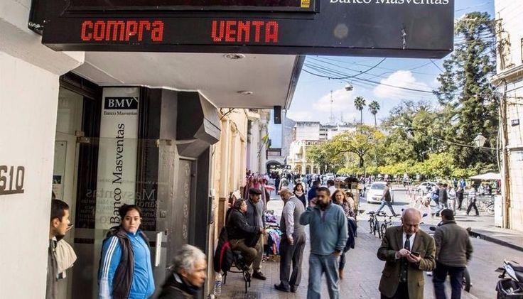 El dólar bajó, pero en el mercado informal de Salta llegó hasta $19: El precio oficial de la moneda norteamericana en los bancos de la…