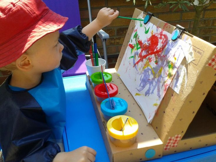 Makedo easel from a Bravissimo box with ELC paint pots