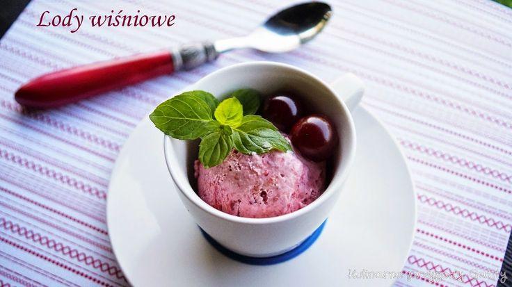 Domowe lody wiśniowe z karmelizowanym rabarbarem