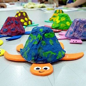 egg carton crafts for kids. Did this craft today, very fun. Painted the shell ahead of time for pre-schoolers.
