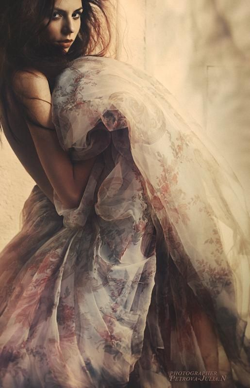 *Gorgeous fabric....Sensuality in summertime......