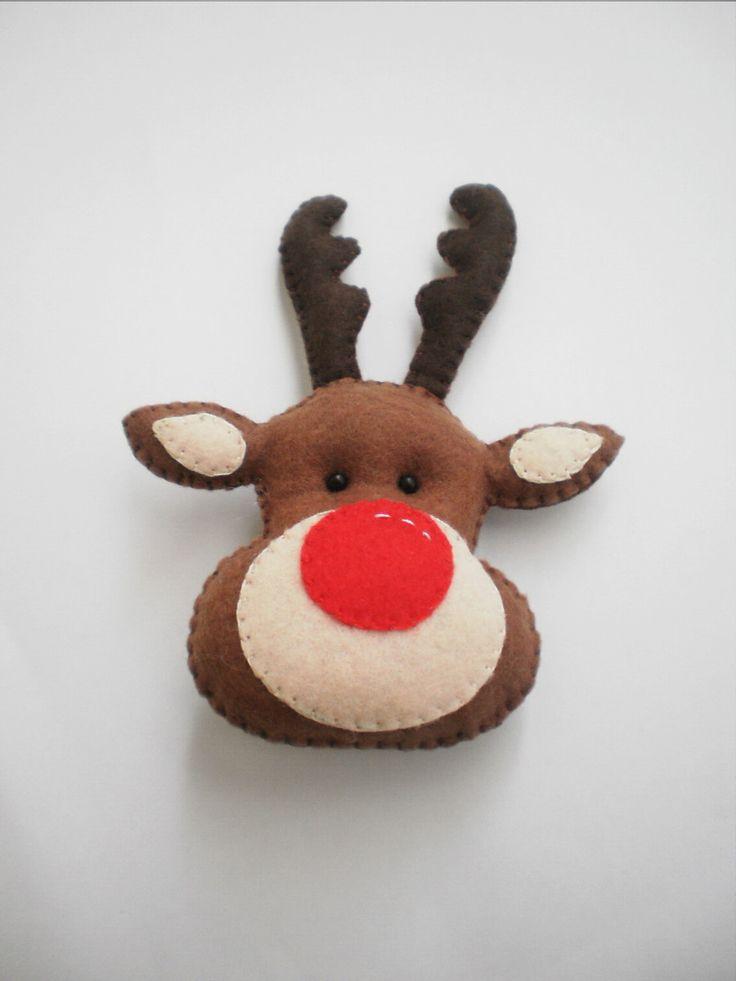 Lembrancinha de Natal: Papai Noel e Rena feitos em feltro, com enchimento anti-alérgico. Pode ser confeccionado como chaveiro ou ímã.
