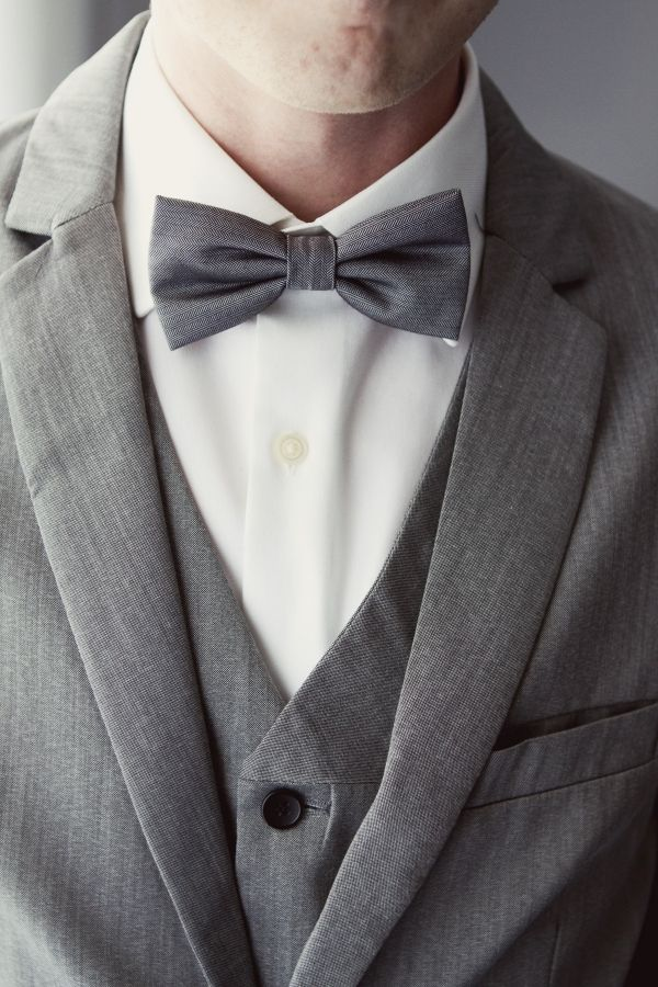 Love the gray instead of black! Sharp!Grey Wedding, Grooms Suits, Grey Suits, Bows Ties, Groomsmen Bows, Bow Ties, Men Fashion, Bowties, Fashion Inspiration