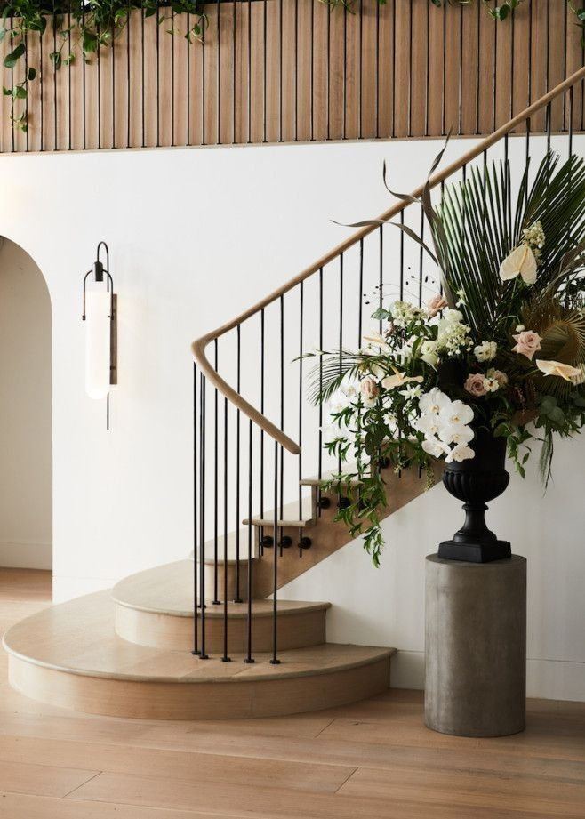 42 Staircase Ideas For Your Hallway That Will Really Make An Entrance 26 Staircase Decor Modern Staircase Stairs Design