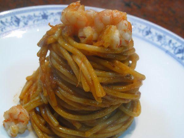 Spaghetti con salsa de gamba y tamarindo