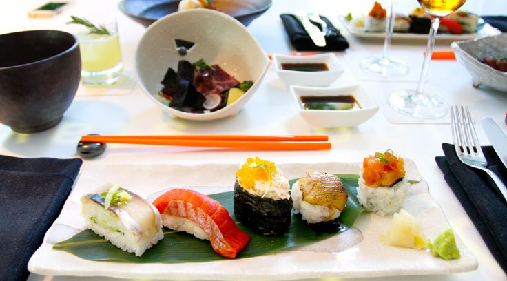 Booze-filled brunches in The Lobby Lounge and RawBar. Sushi is the best hangover cure!