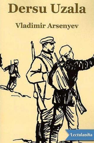 Vladimir Arseniev, oficial del ejército del Zar y explorador, en 1906 regreso a Moscú, después de efectuar su primera expedición, con mapas de los desconocidos confines de Siberia. Fue recibido como un héroe, pero su primera reacción fue pedir rec...
