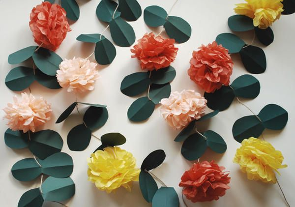 Paper pompom flowers with leaves and vines: Paper Garlands, Idea, Pom Poms, Paper Pom Pom, Paper Flower Garlands, Pompom, Pom Vines, Gardens Parties, Diy Wedding