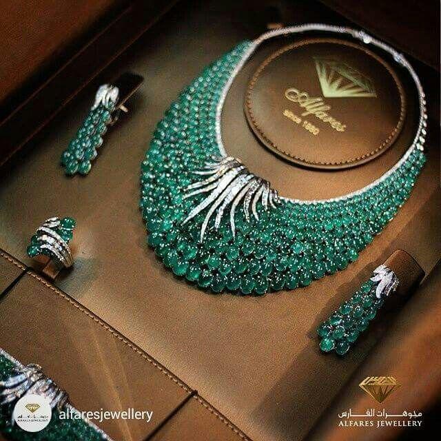 Emerald overload from @alfaresjewellery