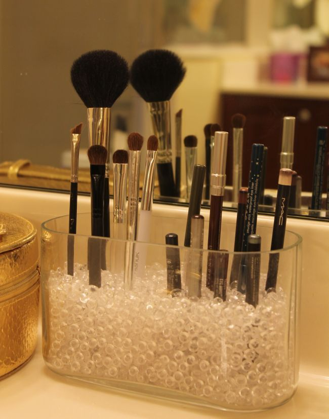 How-to store make-up brushes & more from The Average Girl's Guide.