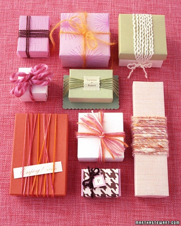 Very easy and nice way to customize gift boxes (I love doing this!!!). Tip from Martha Stewart.