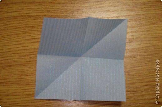 Вот пример очень простого модуля. Лист перегнуть по средним линиям и одной диагонали.