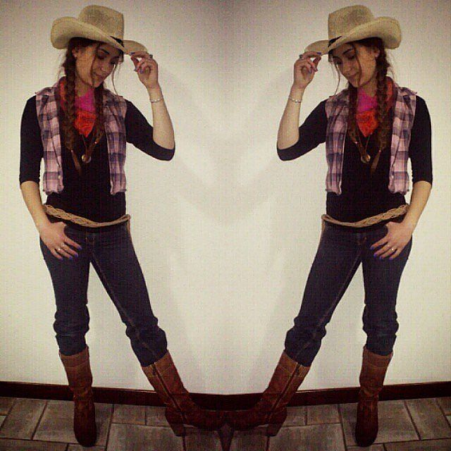 Cowgirl costume for Halloween