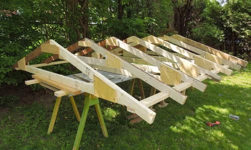 Building a shed- trusses ***Repinned by Normoe, the Backyard Guy (#1 backyardguy on Earth) Follow us on; http://twitter.com/backyardguy