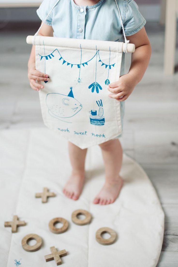 Hej indianer 🤚  ! Denna vimpel kan man även hänga på sitt favorit lektält ✨    #barnrum #kidsroom #barnrumsinredning #kidsdecor ⠀ #finabarnsaker #kidsinterior #kidsdesign #kidsperation #barneroom #inspirationforpojkar #kidsinspo #kidsdeco⠀ #nordickidsliving #kidsperation #myroom #barn #exklusiv #baby #inspirationforflickor #barnruminspo #barnrumsdetaljer #barnrumsinspiration #finahem #finabarnsaker #barnerum #mittbarnerom