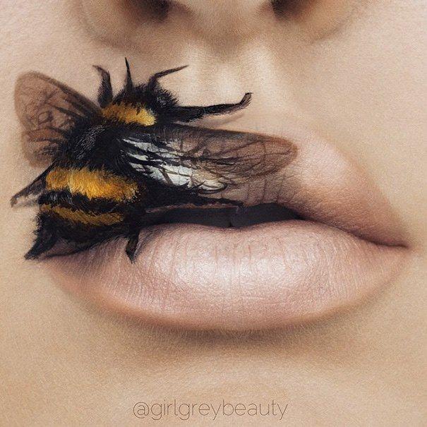 Muhteşem desenleriyle; Dudak boyama sanatı #dudak #makyaj #ruj #sanat #artist