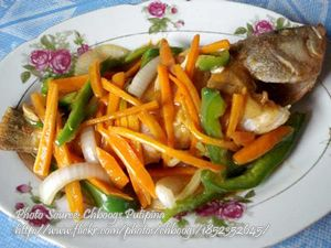 Fish Escabeche Macao Style http://www.panlasangpinoymeatrecipes.com/fish-escabeche-macao-style.htm #FishEscabeche #SweetSourFish