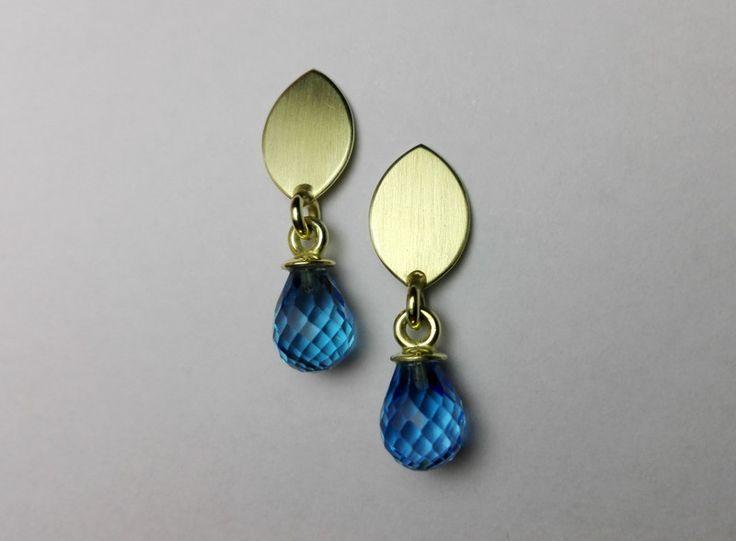 Gold Ohrringe - Goldohrringe mit blauem Topas - ein Designerstück von schmucke-teile bei DaWanda