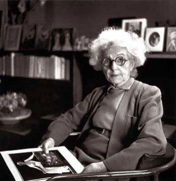 Madlen Vione (June 22, 1876 – March 2, 1975)