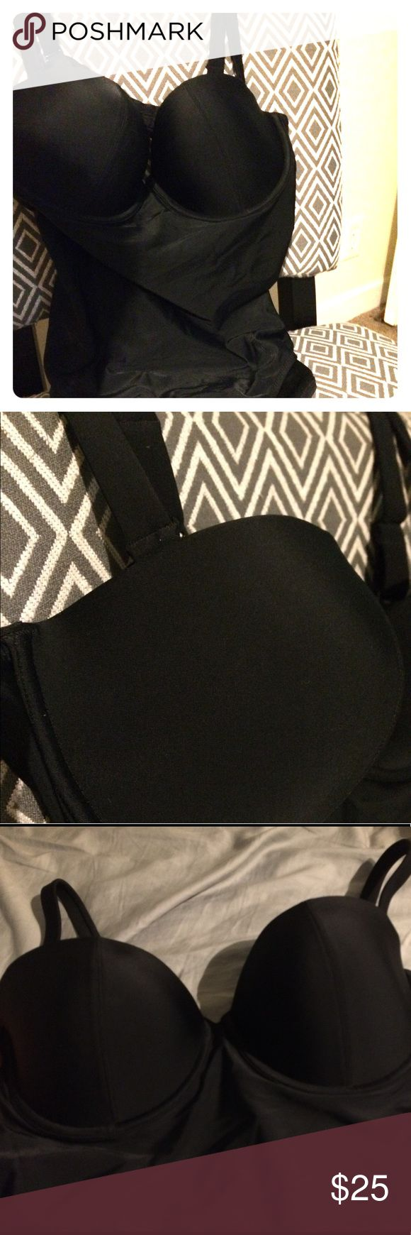 Classy Old Navy - one piece swim suit NWT Flattering and sexy 1 piece. Medium support level through suit. Slimming and smoothing black with sexy open back circle. NWT and sanitary liner. Fits size 10-16 Old Navy Swim One Pieces