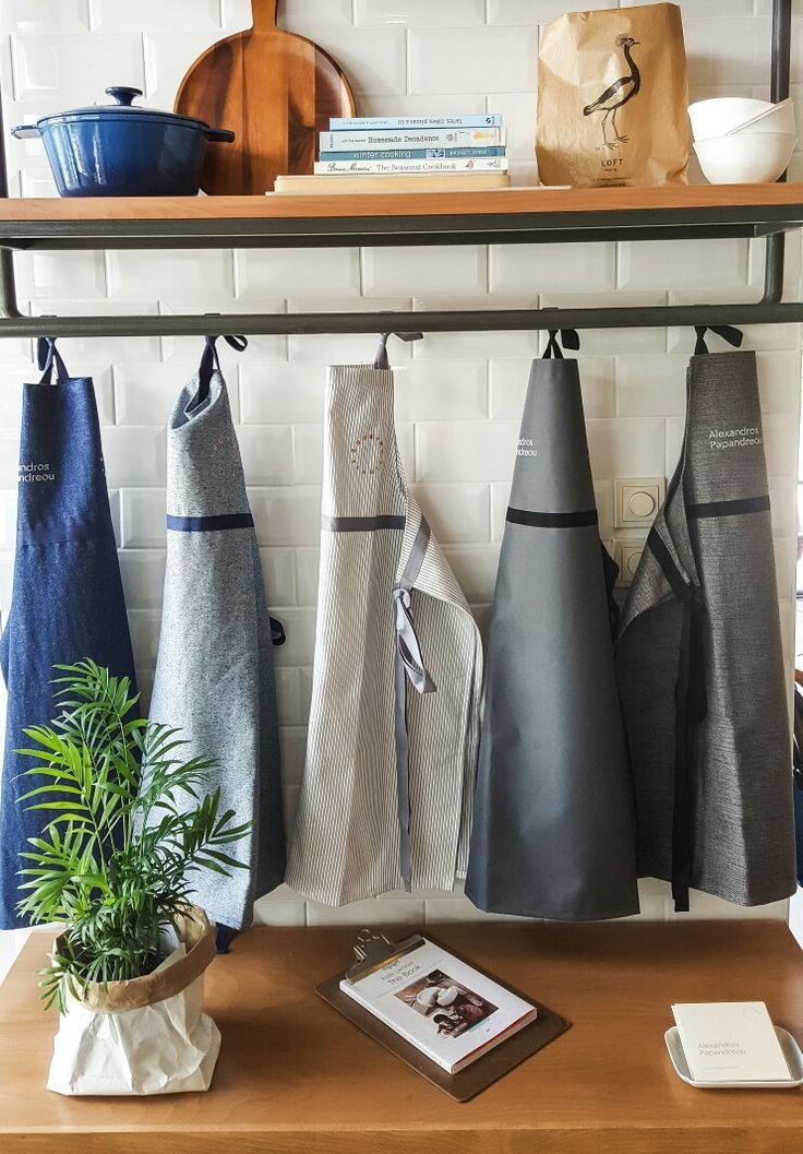 Καινούργιες ποδιές στο Alexandros Papandreou Cooking studio
