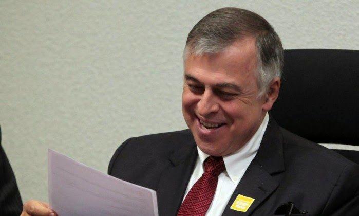 Folha Política: Delação premiada de ex-diretor da Petrobras causa alvoroço na base de Dilma