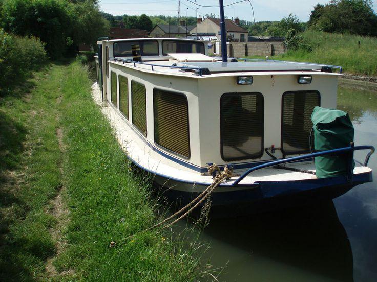 Dutch Barge - Westlander. Widebeam liveaboard Houseboat. 45' x 10'. Aft Cabin