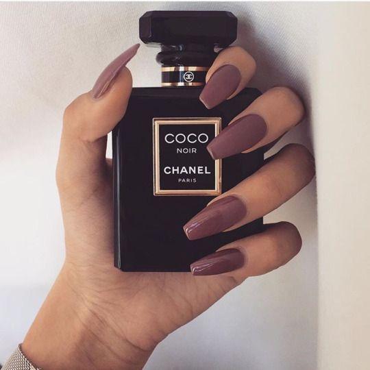 chanel. nails ♡♡