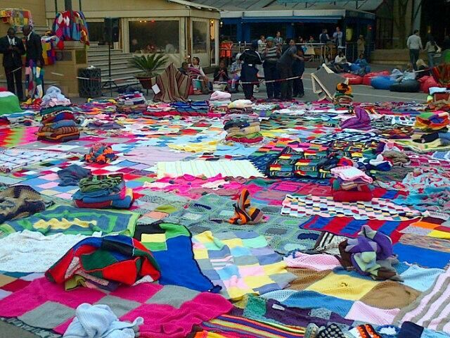 #67blankets  #MandelaSquare Today pic.twitter.com/vtRuIopOOE